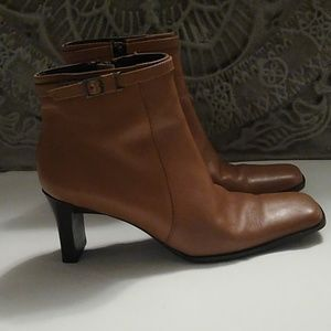 Nickels 6 1/2 M camel colored ankle boots